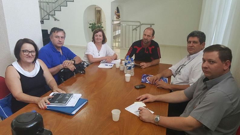 Diretoria executiva da Fesmepar reúne-se em Cascavel