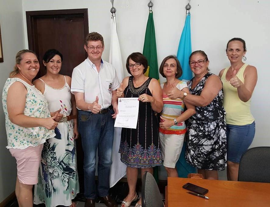 Sismucap e Prefeitura de Capitão Leônidas Marques definem índice de reajuste salarial do servidores municipais