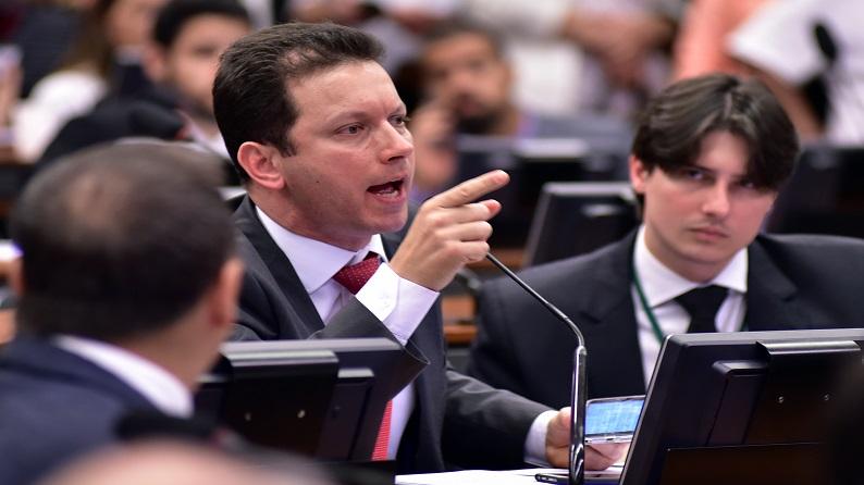 Pré-candidato a prefeito de Porto Alegre, deputado Marchezan Jr. chama servidores de vagabundos