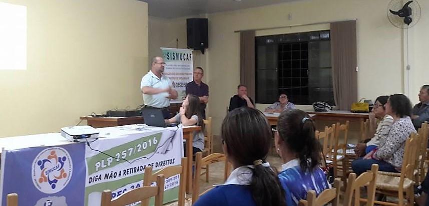 Fesmepar leva palestra sobre o PLP 257 e PEC 241 a Guaraniaçu