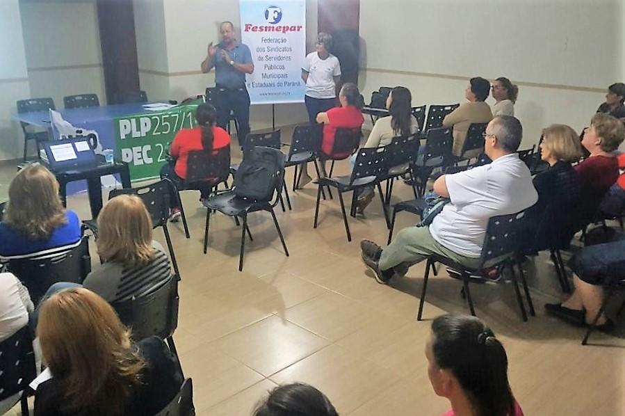 Santa Terezinha de Itaipú recebe palestra sobre o PLP257 e PEC 241