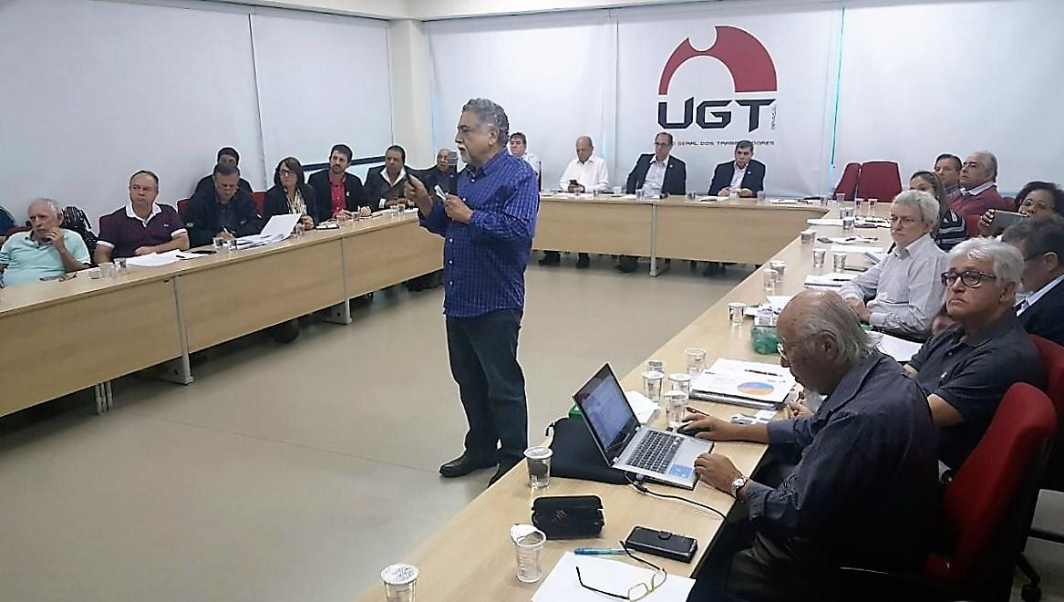 Fesmepar participa de debate sobre a PEC241 realizado pela UGT