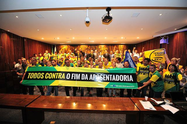 PEC 287: Servidores paranaenses se unem a luta contra a Reforma da Previdência