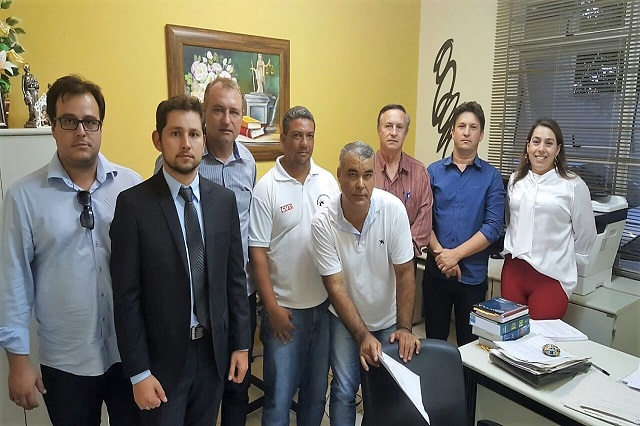 Fesmepar,  Sindserv Figueira  e Promotoria de Justiça do MP fazem reunião  de negociação com a prefeitura