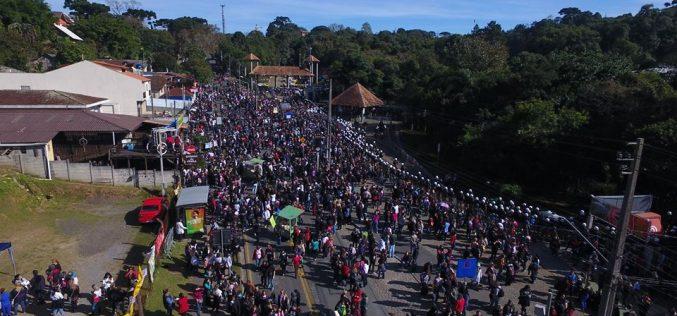 """Com agressão a servidores, vereadores de Curitiba  aprovam o """"pacotaço"""""""
