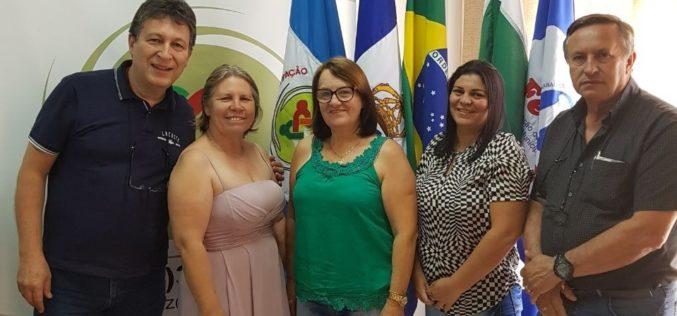 CERRO AZUL: Fesmepar faz reunião administrativa com diretoria do Sismucaz