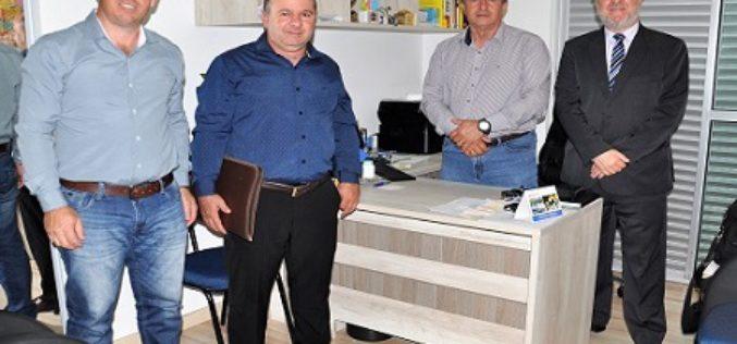 Fesmepar e Sismudi discutem o enquadramento dos servidores municipais de Diamante D'Oeste no TCE