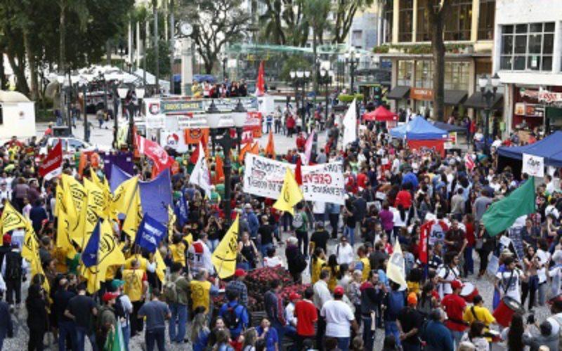 Dia Nacional de Lutas: Fesmepar mantem a luta contra as reformas