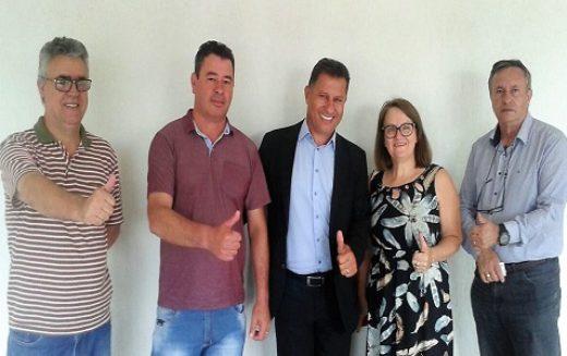 Piraquara – Fesmepar faz visita administrativa ao Sindisemup