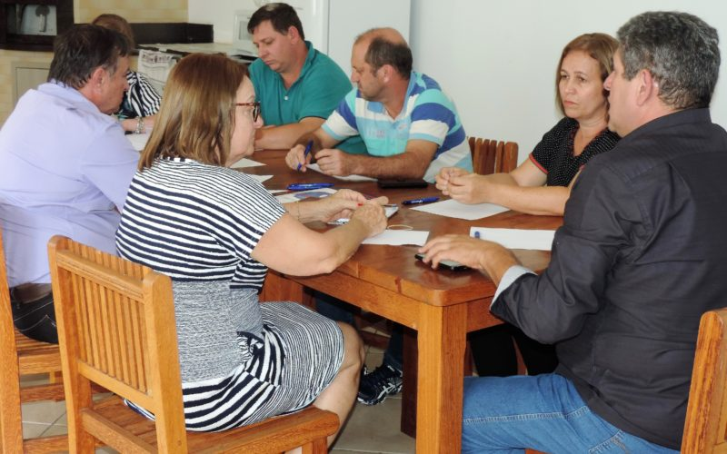 Diretoria Executiva da Fesmepar discute assuntos administrativos em reunião extraordinária