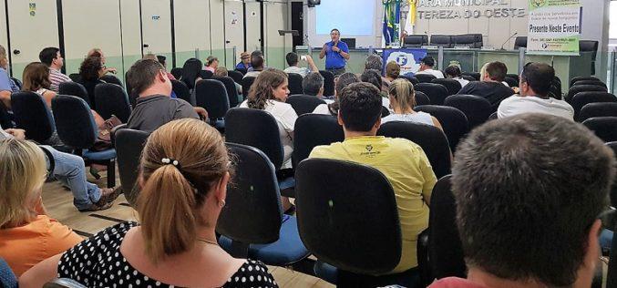 Mais de 20 sindicatos de servidores municipais participam do Encontro de sindicatos da Fesmepar