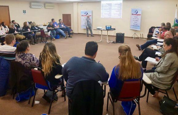 Sindicatos de servidores das regiões Metropolitana e Centro -Sul paranaense participam do Curso de Comunicação e Oratória da Fesmepar