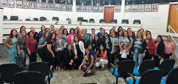 """Quedas do Iguaçu: SISMUQ realiza o """"1º Encontro Rosa"""" , evento que alerta as mulheres sobre a prevenção ao câncer"""
