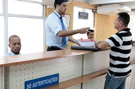Lei que dispensa reconhecer firma, autenticar documento e outros 4 serviços já está em vigor