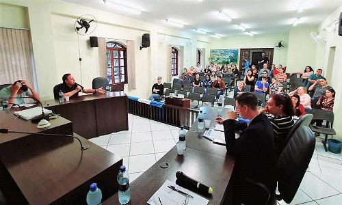CERRO AZUL: Presidente da Fesmepar participa de Assembleia Geral Extraordinária do Magistério de Cerro Azul