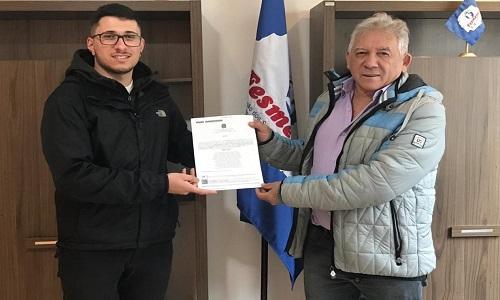 Fesmepar entrega Certidão de Registro Sindical atualizada ao presidente do SINDER