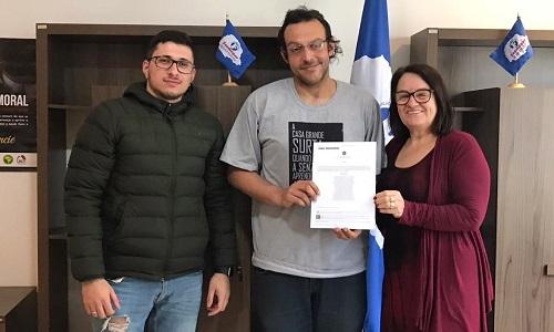 Fesmepar entrega Certidão de Registro Sindical atualizada ao SISMMAR
