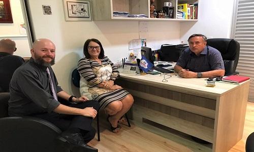 Pinhais: Presidente da Fesmepar recebe visita do presidente do SINSERP