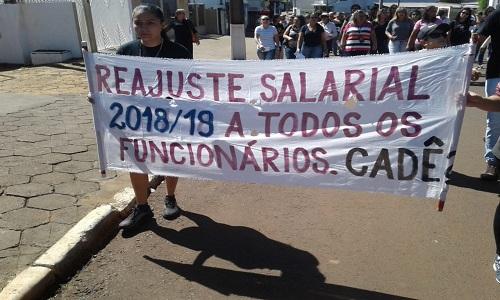 CANTAGALO – SISMUCA realiza manifesto por reajuste salarial do quadro geral de servidores