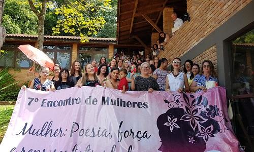 Mulheres líderes sindicais de todo o Paraná participam do 7º Encontro de Mulheres da Fesmepar