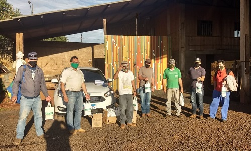 CANDÓI: SISPPMUCAN distribui kits de higiene contra o COVID-19 aos servidores associados
