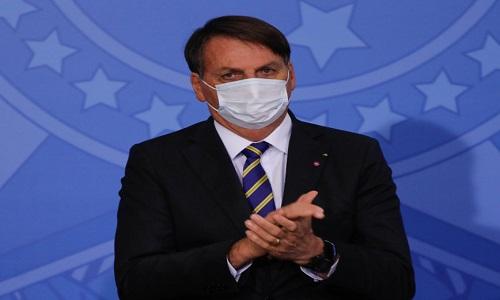 Bolsonaro veta indenização de R$ 50 mil para profissionais de saúde incapacitados por coronavírus