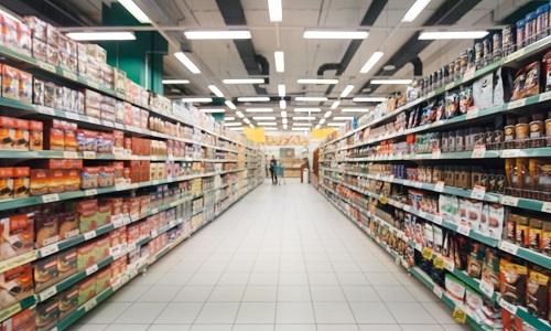 Inflação de alimentos atinge mais as famílias de baixa renda: arroz e feijão pesam no orçamento