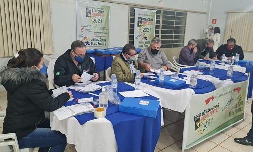 CASCAVEL: Diretores da Fesmepar auxiliam o processo eleitoral do SINDEPOSPETRO