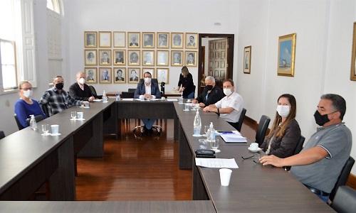 LAPA: Fesmepar e SISMUL reivindicam reposição salarial dos servidores municipais à prefeitura